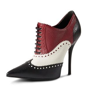 Gucci Pointed Toe Heeled Gia Booties